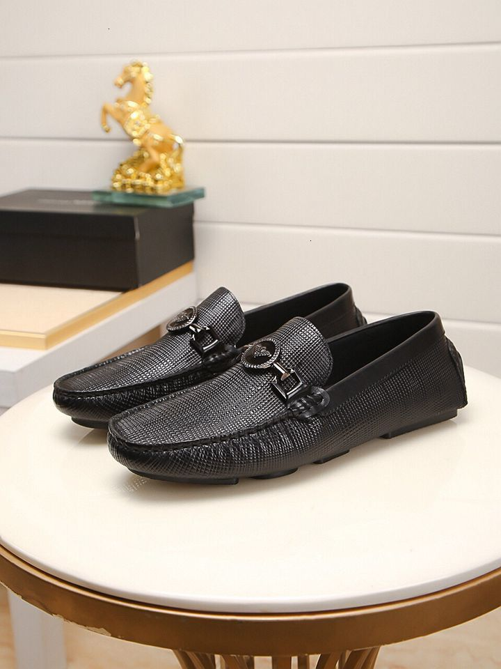 Men Casual Outdoor comfortable flat Peas leather shoes mens loafers 121501