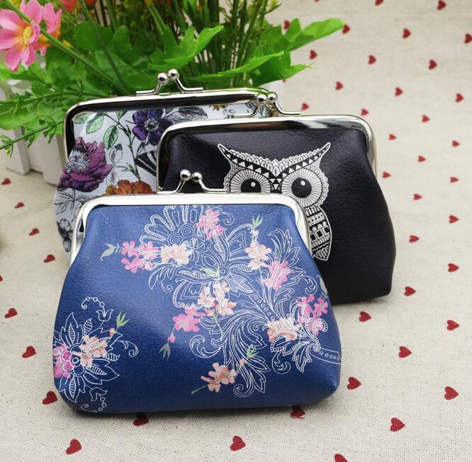 Womens Wallets Vintage Red Flower Floral Bird Christmas Leather Passport Wallet Change Coin Purse Girls Handbags
