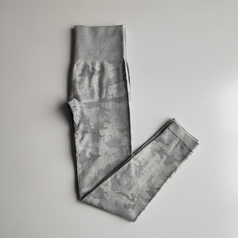 gray pants_12