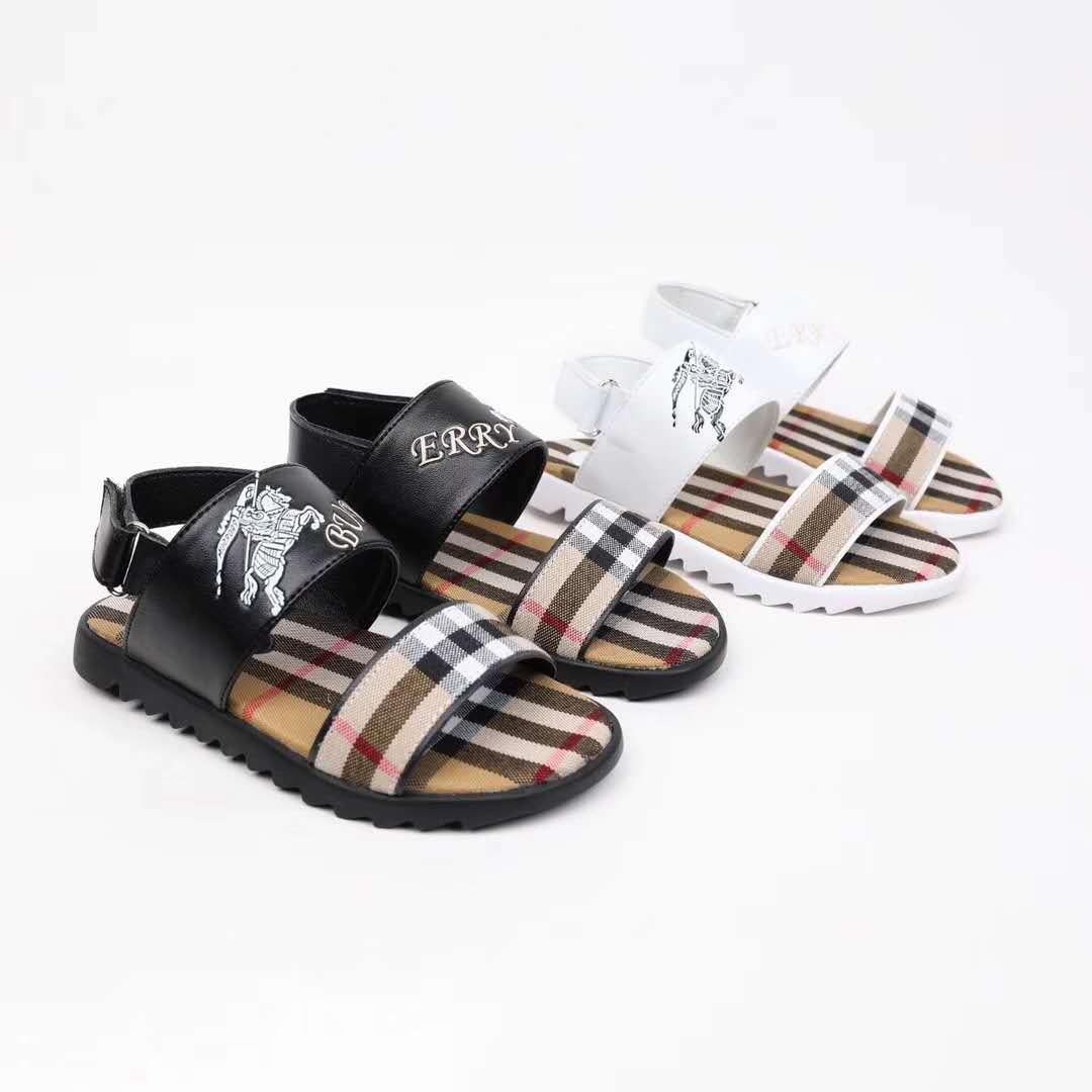 2019 Yeni Bebek Erkek kız paketi ayak Sandalet toddler Yumuşak Deri kafes desen Sandalet Ayakkabı Plaj delik Seyahat çocuklar sneakers bur-b1
