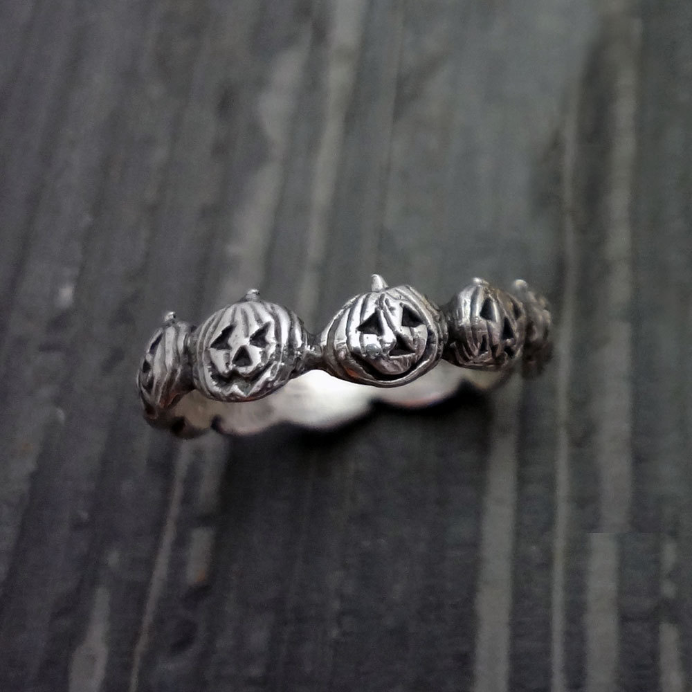 OMHXZJ Wholesale European Fashion Woman Man Party Wedding Gift Silver Black Vintage Pumpkin Taiyin Ring RR348