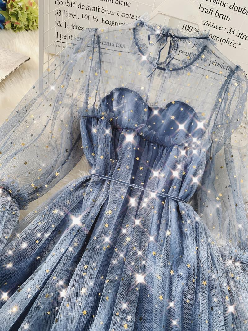 2019 Spring New Female O-neck Flare Sleeve Stars Sequined Mesh Shiny Fairy Dress Women Solid Color Elegant Bling Pleated Dresses Y19051001