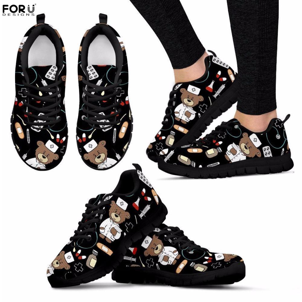 FORUDESIGNS Femmes Maille Baskets Noir Infirmière Ours Imprimé Bande Dessinée Respirant Appartements pour Dames Casual Confortable Chaussures De