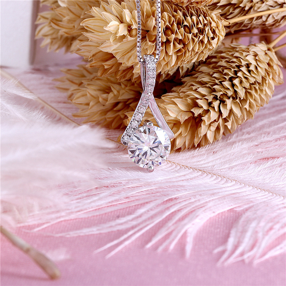 1.5ct moissanite necklace (4)