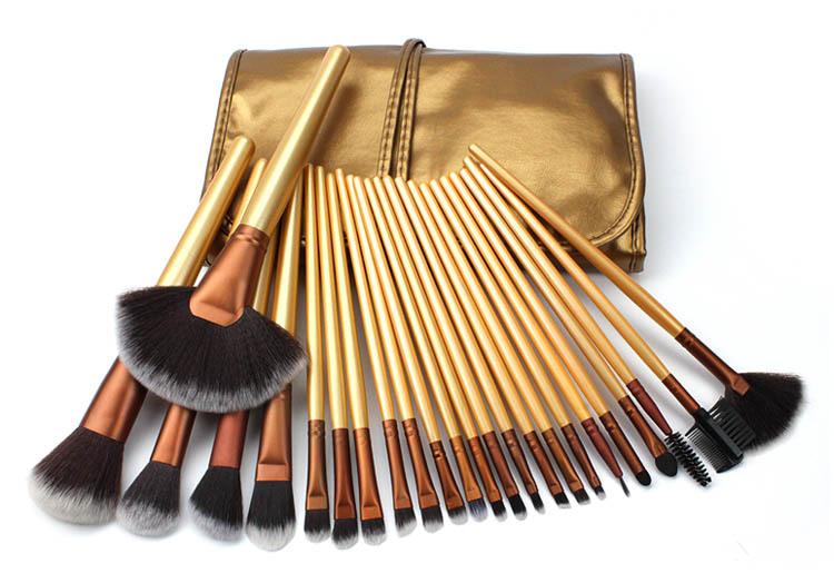 7Pcs Professional Soft Cosmetics Beauty Make up Brushes Set Kabuki Kit Makeup Brushes Set Powder Foundation Eyeshadow Applicator Beauty Make Up Tools Cosmetics Brushes