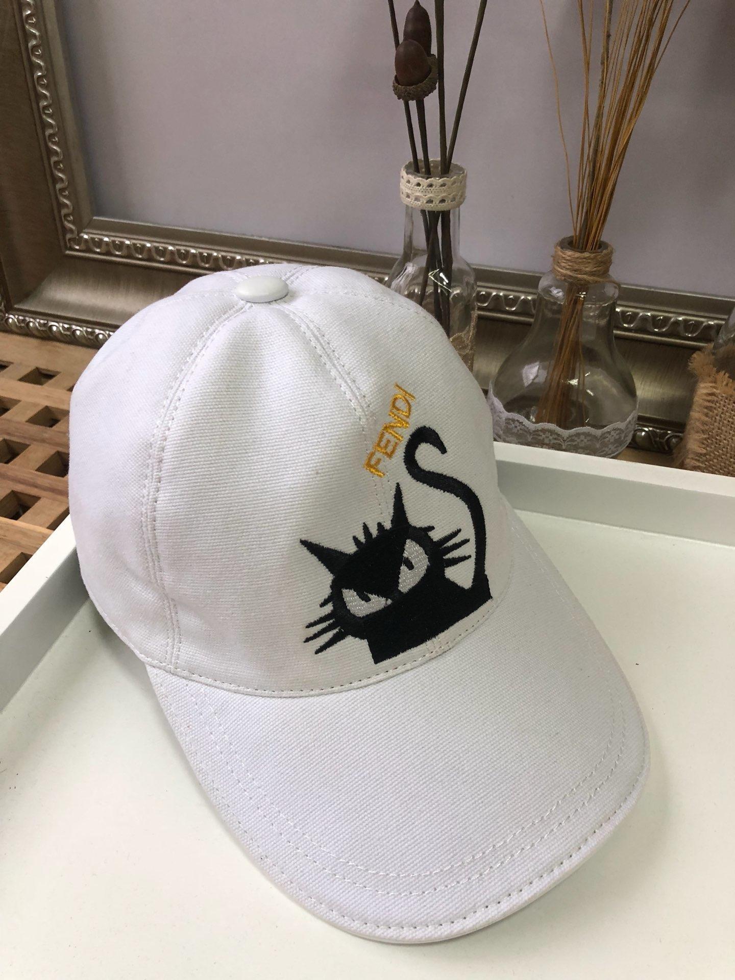 2019 Yaz Yeni İngilizce kedi Şapka Erkekler Açık Spor Beyzbol Bayanlar Güneş Ayarlanabilir kemik snapback Sneakers
