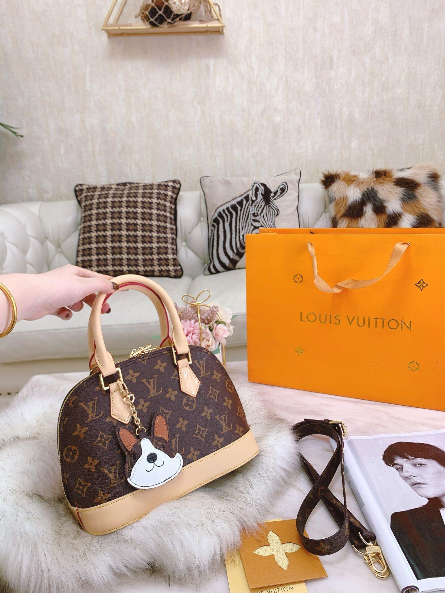 Shell womens luxury designer bag handbags 25*18cm shell bag with box letter designer crossbody bags stamped clutch designer hand bags