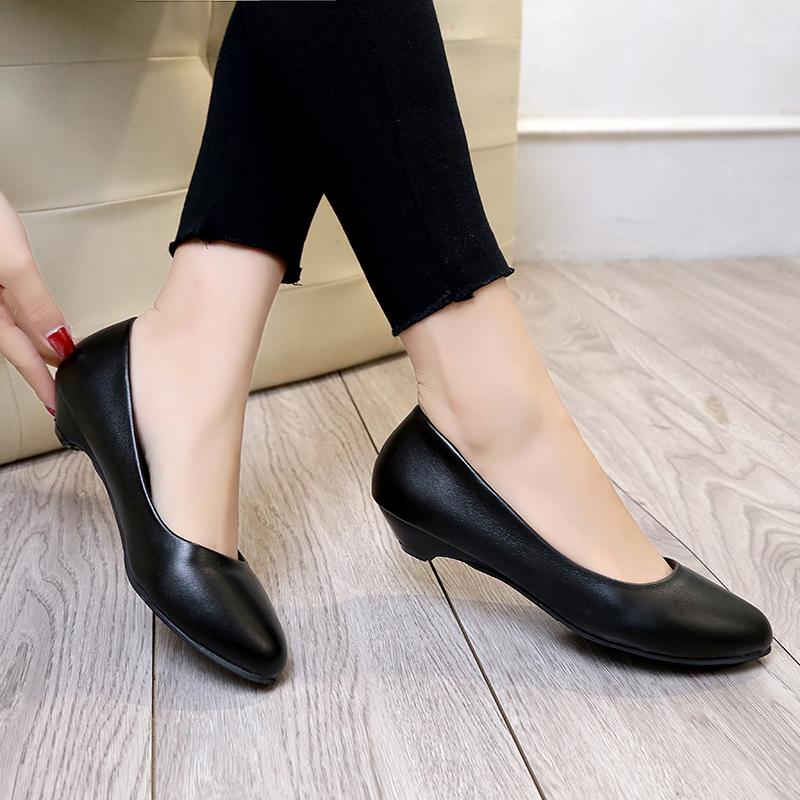 Compre Zapatos De Vestir De Diseñador Primavera Otoño Para Mujer Boda Tacones Bajos Para Mujer Bote De Cuero Negro En Zapatos Mujer 6153 A 1956 Del