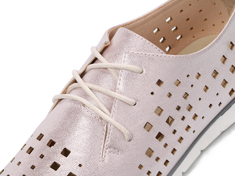 AIMEIGAO New Autumn Spring Soft Leather Women Flats Shoes Lace Up Breathable Shoes Hollow Out Casual Women Flat Soft Shoes