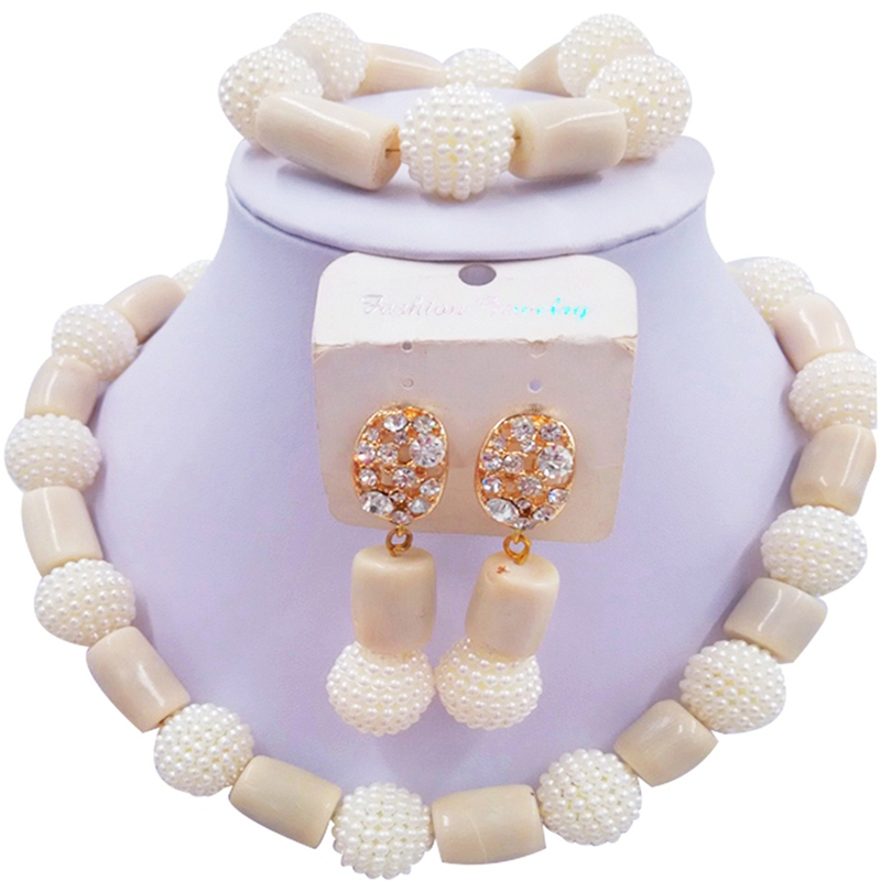 Jewelery Set Beige and White
