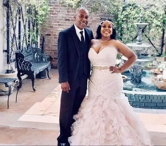 plus-size-wedding-dresses-with-sash-beads-sequins-sweetheart-ruffles-african-mermaid-wedding-dress-back-lace-up-custom-made-bridal-gowns.webp_