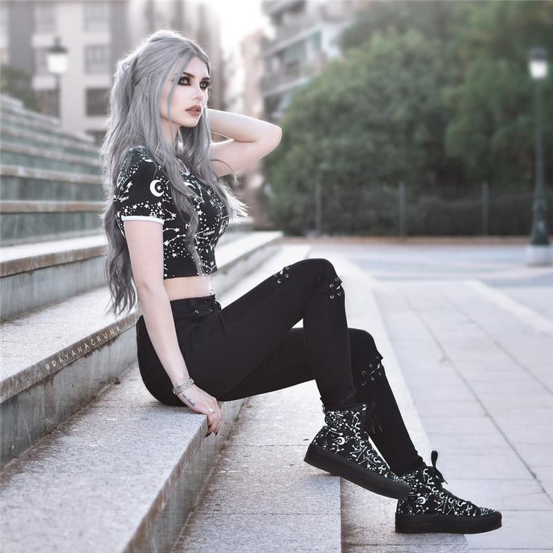 Instahot Gothic Short Sleeve Galaxy Print T Shirts Women O Neck Fashion Skinny Crop Tops Black Tees Hip Hop Rock Clothing Q190517