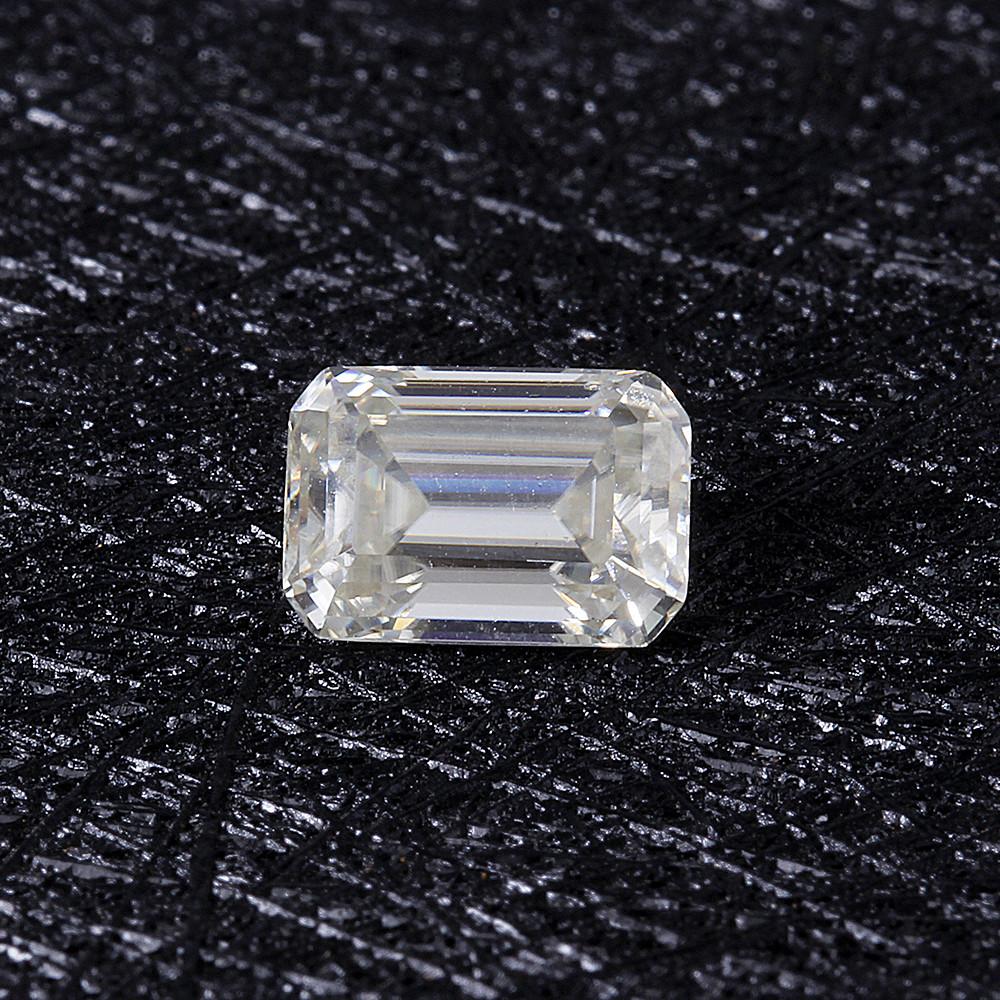 emerald moissanite (5)