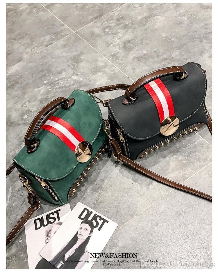 Vintage Style Women Bags New Vogue Designer Messenger Bags Rivet Decoration Cross Body Hand Bags Fashion
