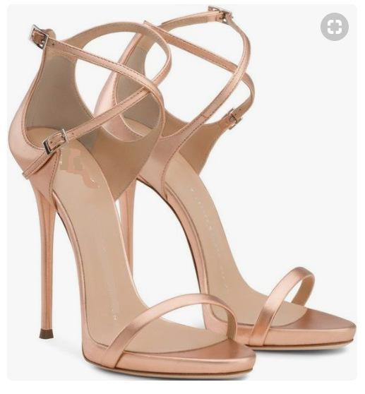 Charming2019 Fivela De Rua Cinto Tempo Hollow Out Toe High Boate Ir Excelente Sapatos Bem Com Sandálias Da Mulher