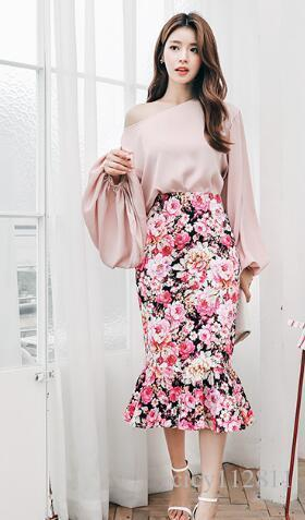 Plus2019 Korean Version Of The Pop Loose Lantern Sleeves Shirt + High Waist Sexy Bag Hip Skirt Suit