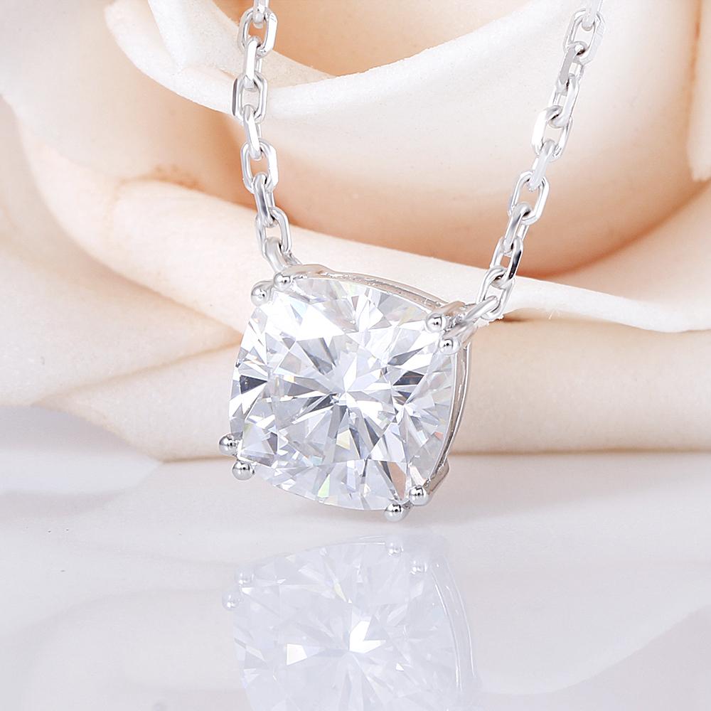 Ccushion cut moissanite pendant necklace (2)