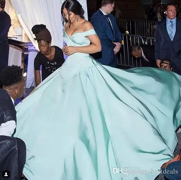 Mint Green Csiriano Cinderella Moments Prom Dresses 2018 Modest Matte Stain Off Shoulder Dubai Arabic Celebrity Red Carpet Evening Gowns