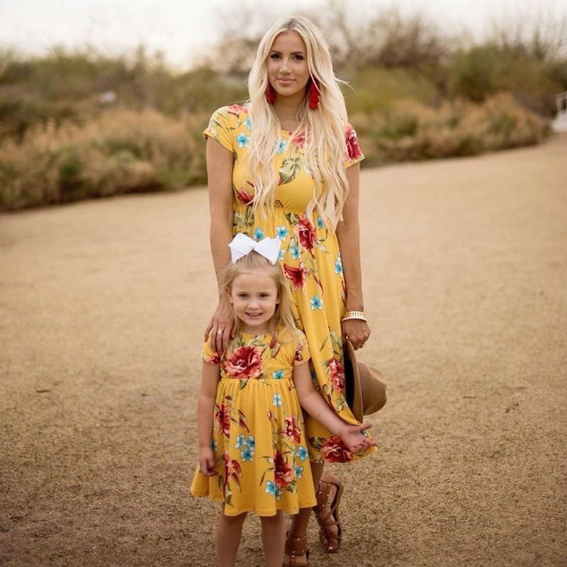Mother Daughter Bohemian Maxi Dress Family Look Matching Outfits 2018 Short Sleeve Mommy and Me Floral Swimwear Dresses Clothes (6)