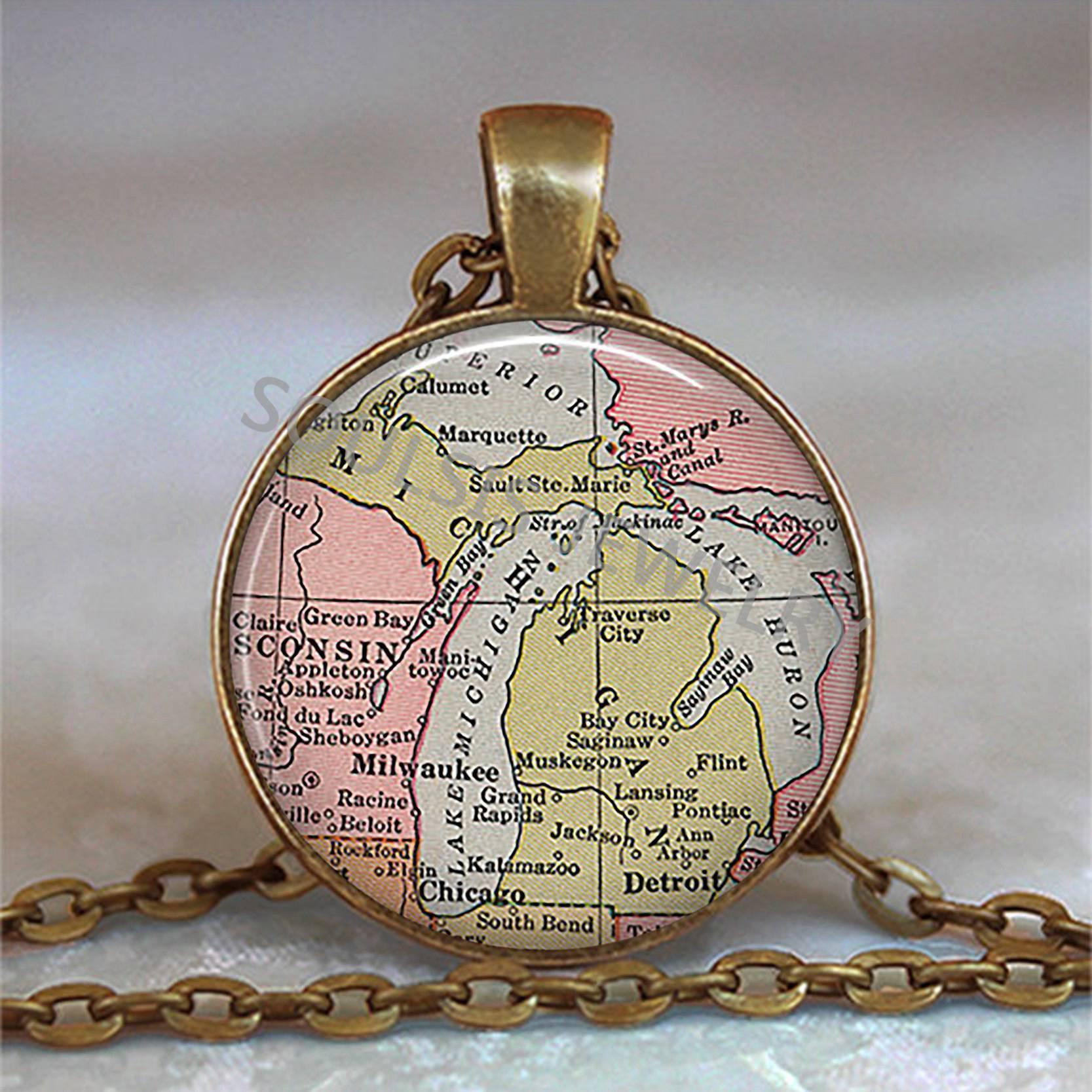 DETROIT Vintage Map Black Glass Cabochon Necklace chain Pendant Wholesale