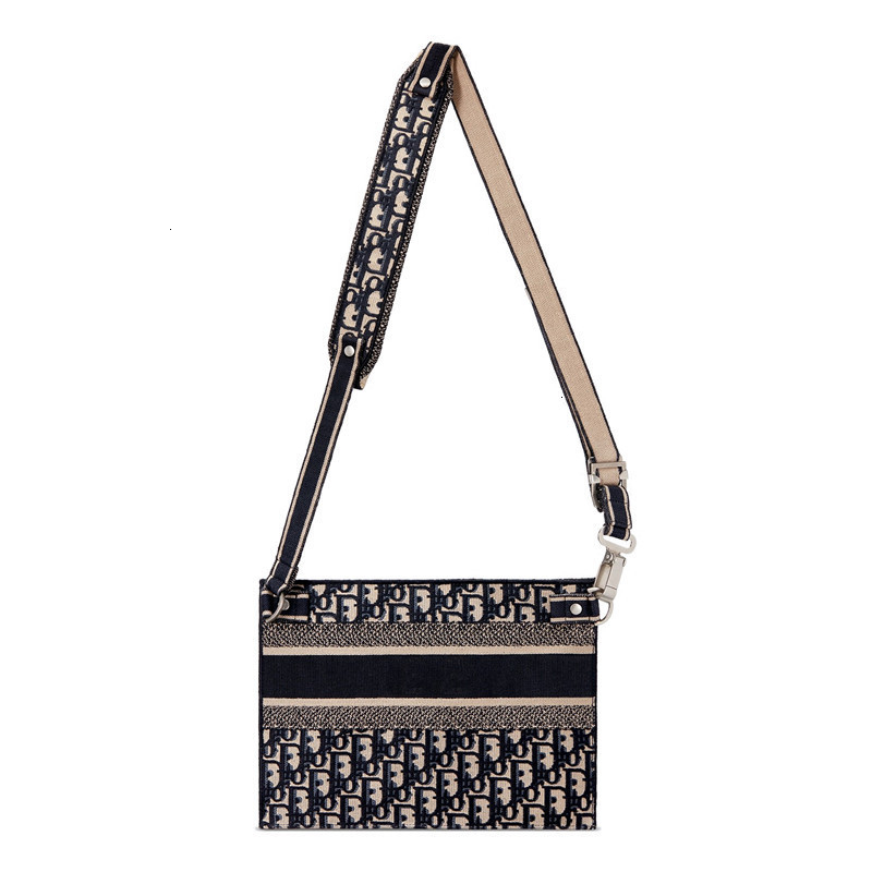 / 19 spring and summer new ladies  Oblique embroidered canvas clutch bag shoulder bag M1292VRIW_M974