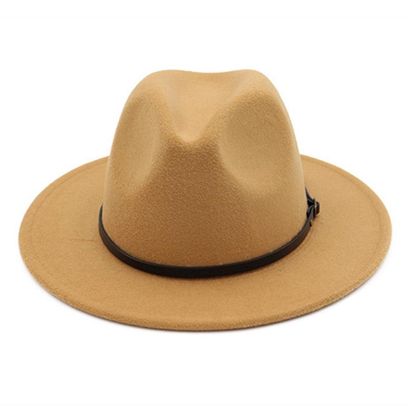 11_fedora hat woman