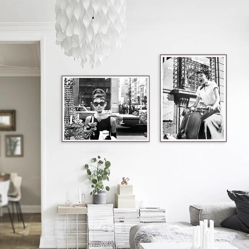Audrey Hepburn Fashion Canvas Print