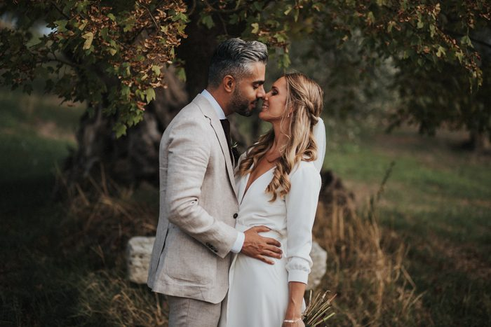 simply-beautiful-tuscan-wedding-at-the-lazy-olive-4-events-15-700x467