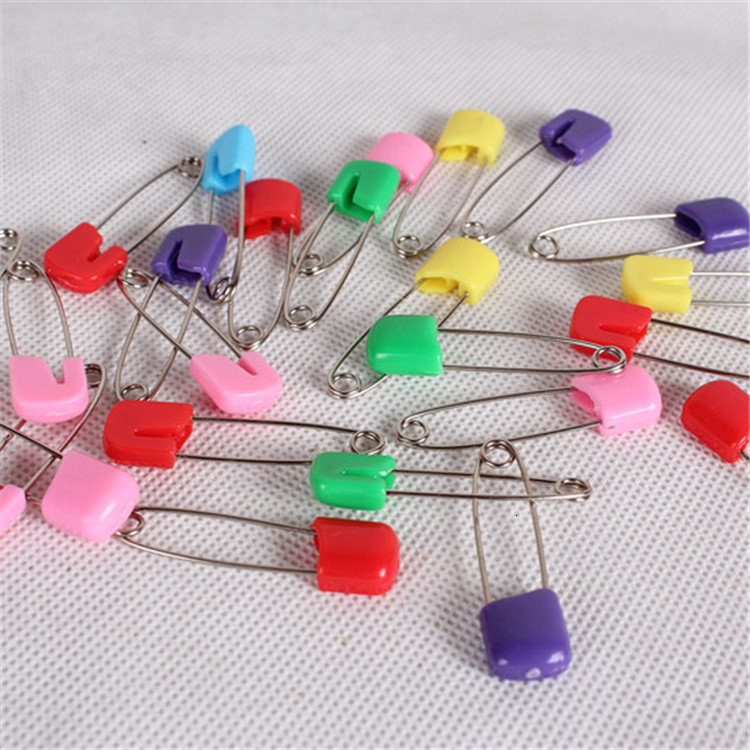 Wholesale Baby Safety Pin Child Safe Cloth Nappy Diaper Craft Pin Locking Tools Colorful d790