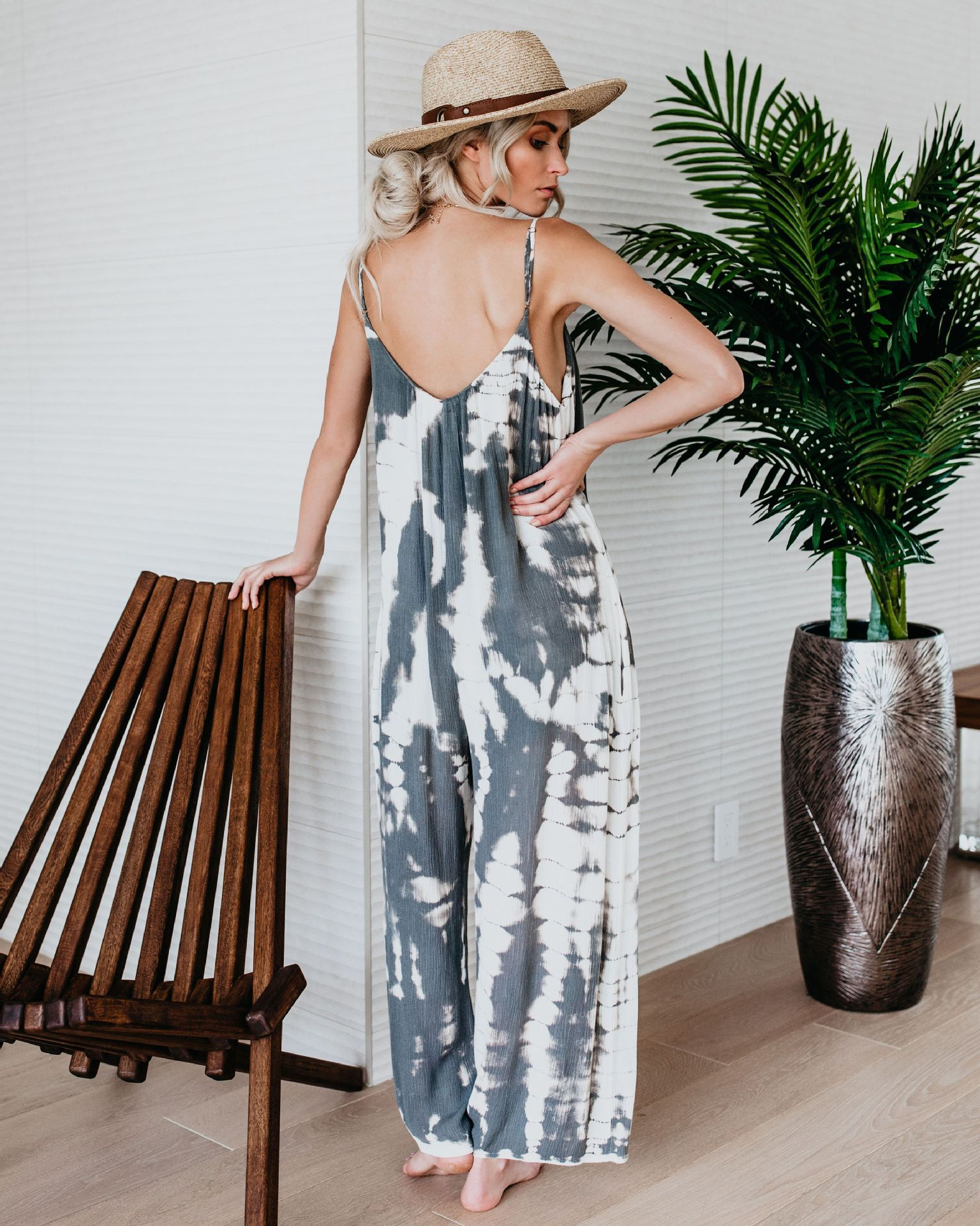 Amazon`s New ebayAliExpress Explosion Europe and the United States Women`s Clothing New Strap Printed Jumpsuit