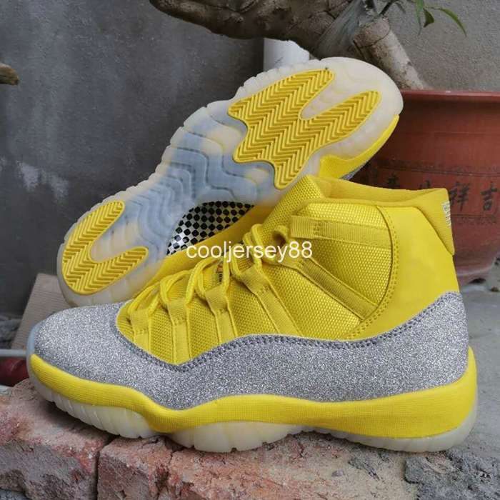 New 11 WMNS Metallic Silver Yellow 11s Mens Basketball Shoes White Purple Blue Trainers Sports Sneakers Jumpman Designer des Chaussures off