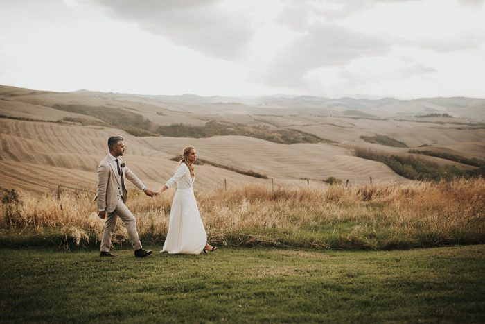 simply-beautiful-tuscan-wedding-at-the-lazy-olive-4-events-50-700x467