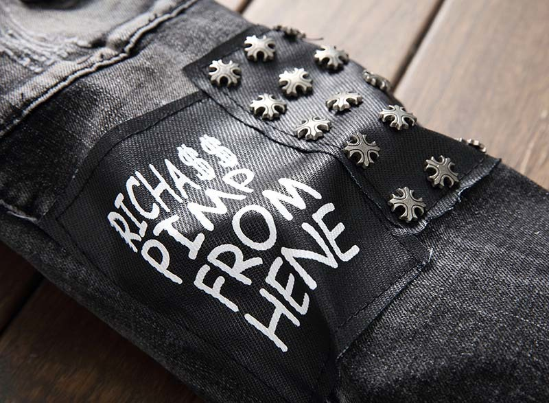 KIOVNO Men Ripped Pleated Jeans Pants With Rivets Fashion Badge Patchwork Denim Trousers Male Punk Style (2)