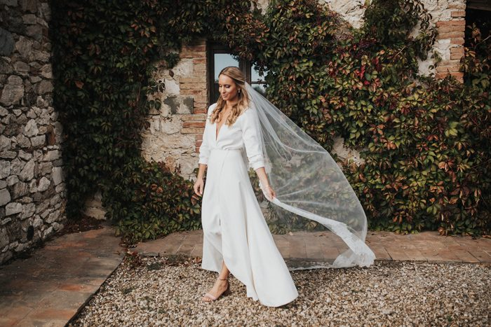 simply-beautiful-tuscan-wedding-at-the-lazy-olive-4-events-20-700x467
