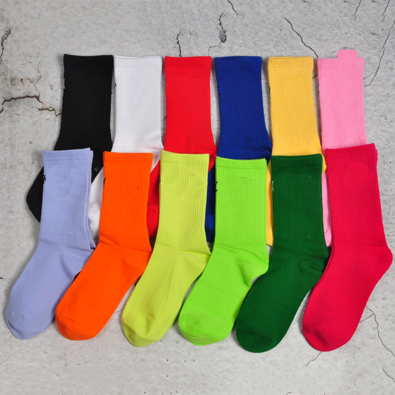 mens socks Paris letter socks sports 100% cotton Fashion and leisure Outdoor womens mans wear summer couple long stockings Average size