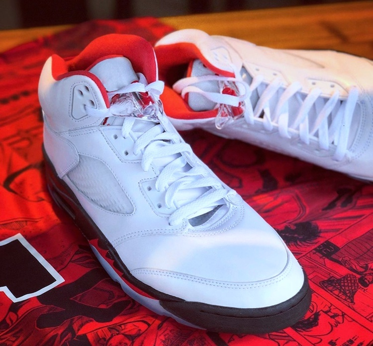 2020 30th Anniversary of the 5 White Fire Red Black Mens basketball shoe Fire Red 5s V Sneaker Silver 3M Reflective tongues