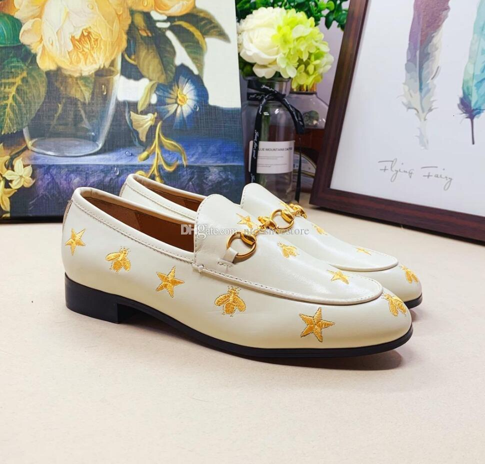 Designer Women mens Leather Flats Mules embroidered bee Horsebit loafer girl flats with buckle mens Size 34-45 With box Many colors in stock