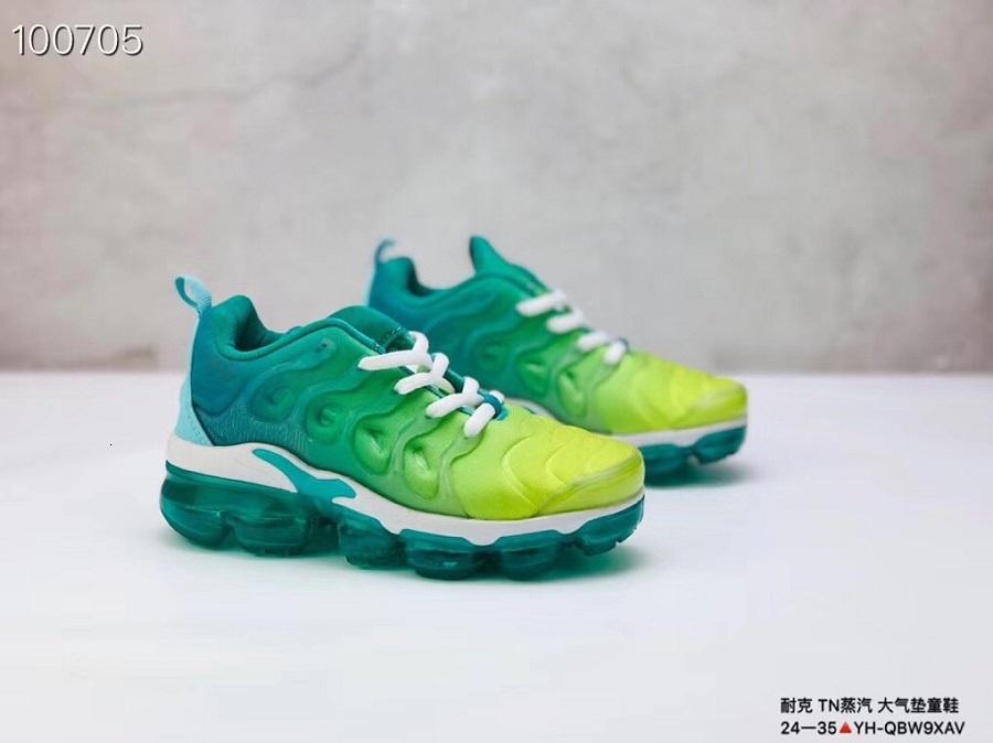 2018 Chaussures Kids Tn Plus Running Shoes Infant big boys girls Camo Black White Sports Sneakers Run plus TN Designer Shoes