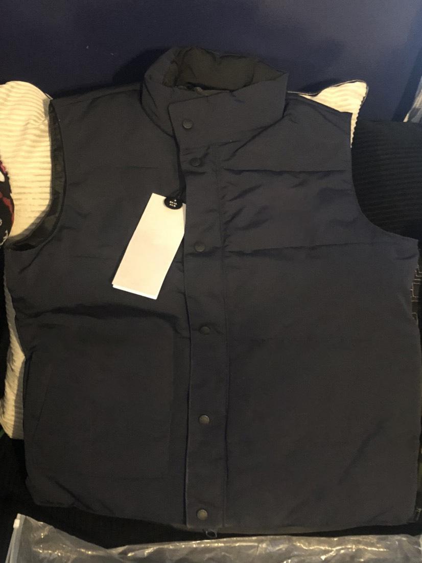 Wholesale Canada NORTH Famous DOWN vests Fashion Coat Pocket Decoration Mens Designer Winter Coats Personality Mens Winter Coat
