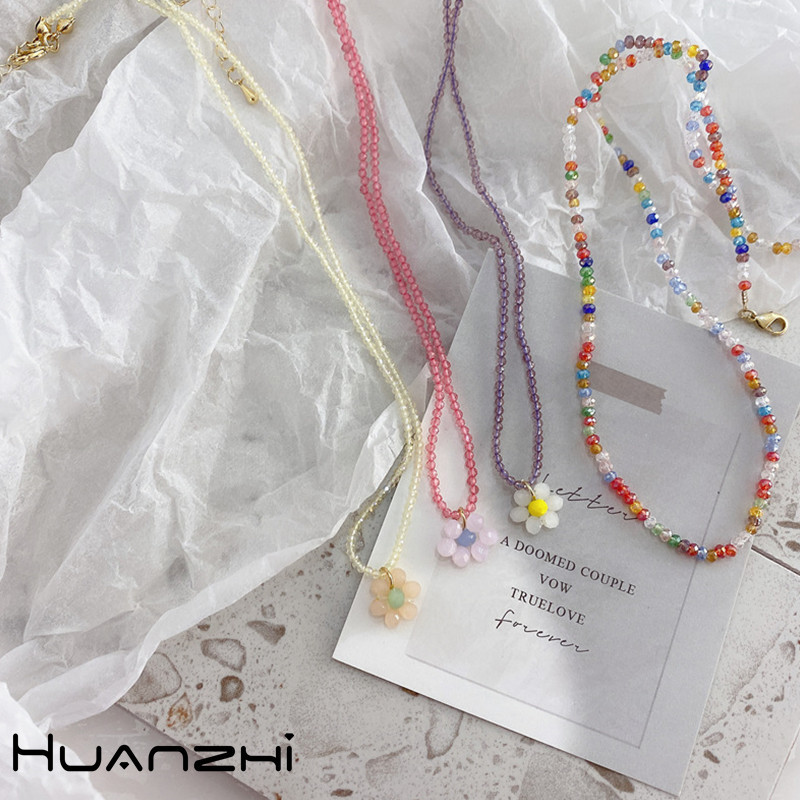 HUANZHI-2020-New-Korean-Vintage-Cute-Color-Acrylic-Butterfly-Flower-Pendant-Beaded-Necklace-for-Women-Party (2)