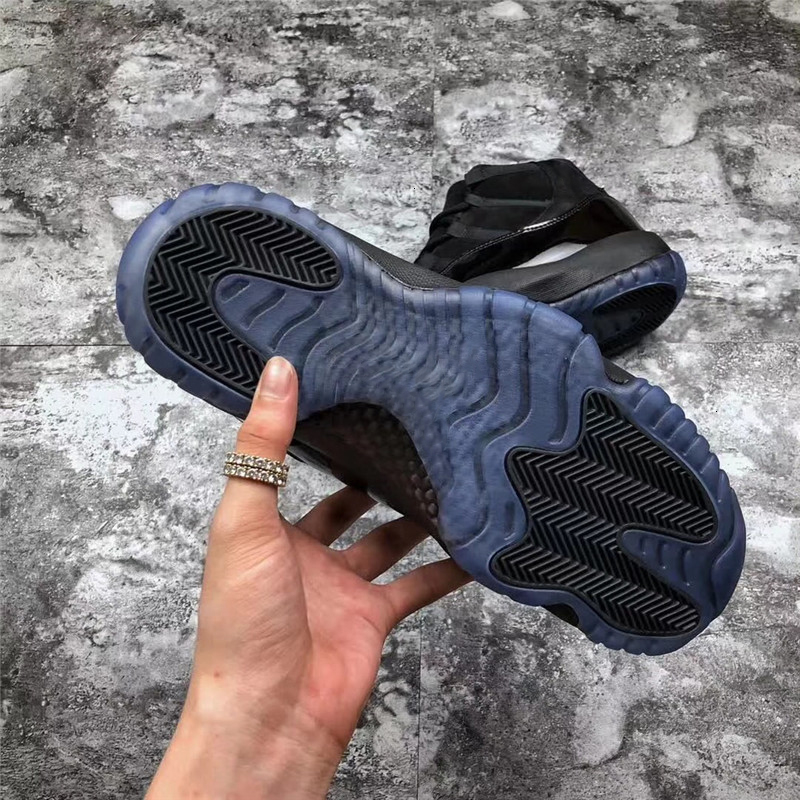 cap and Gown 11 Newest Release Prom Basketball 11 Shoes Sneakers For Men Authentic Real Carbon Fiber Come with Original Box 378037-005