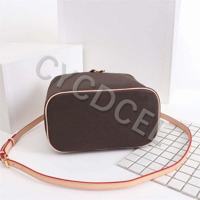 Hot-Selling-Luxury-Design-Ladies-Large-Capacity-Toiletry-Bag-Fashion-high-quality-Women-handbag-leather-NlCE (2)