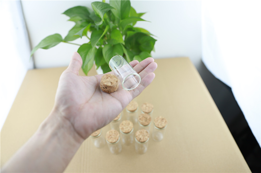 50pcs 30mm 25ml Cork Stopper Glass Bottle Spicy Storage Bottle Container Mini Glass Jars Vials DIY Craft (5)