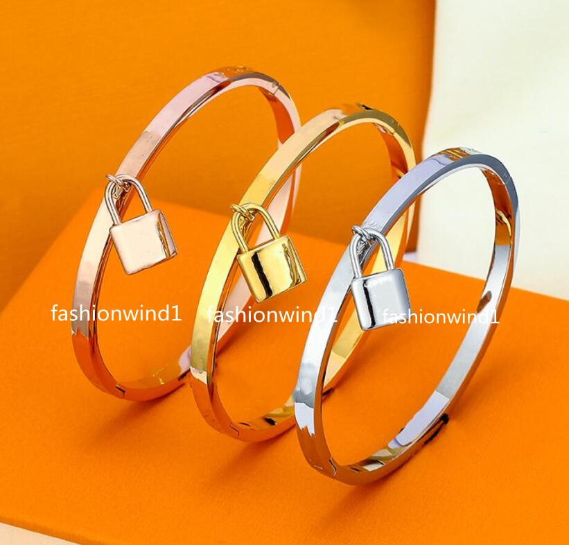 Love Bangles Women Titanium Steel carving Bracelets Gold Silver Rose Nail Jewelry Size 17# Women's general with box