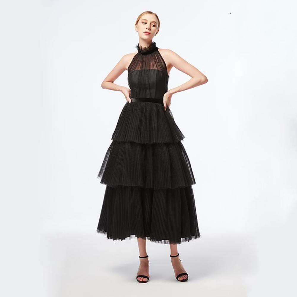 Fashionable and unique evening dresses, graduation evening dresses, puff skirts, super cute sun fold down skirts