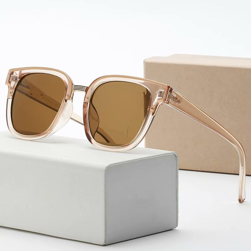 Fashion Couple Luxurys Designers Sunglasses For Women Mens Designer Sun Glasses Outdoor Drive Holiday Summer Polarized Woman Sunglass Box
