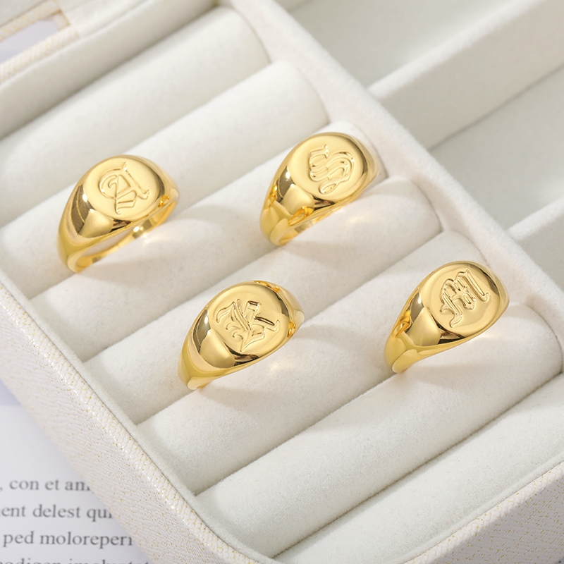 Minimalist-Initials-Signet-Ring-for-Men-Stainless-Steel-A-Z-Old-English-Letters-Nameplate-Rings-Gold (1)