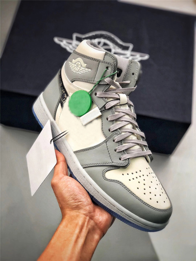 Authentic 1 High OG Low Outdoor Shoes Man Women 1S Wolf Grey Sail Photon Dust White With Original Box CN8608-002 With Dust Bag CN8607-002