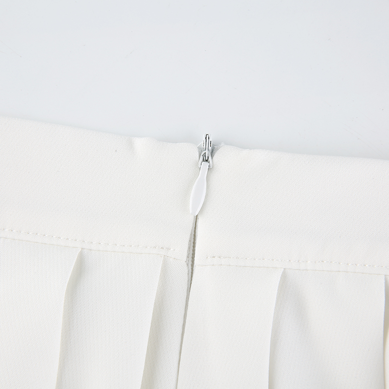 White Embroidery Skirt (1)