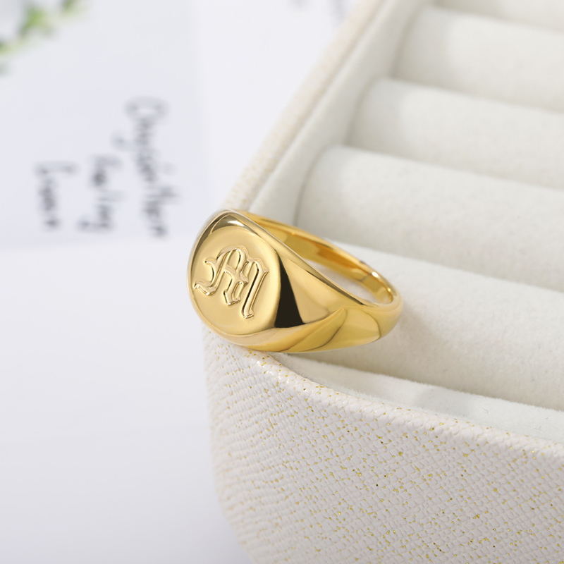 Minimalist-Initials-Signet-Ring-for-Men-Stainless-Steel-A-Z-Old-English-Letters-Nameplate-Rings-Gold (3)